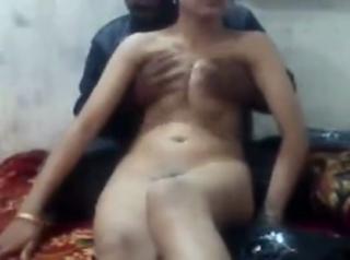 desi Kolkata college girl doing escort service in hotels