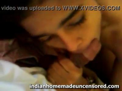 desi Beauty Indian Desi School Going Babe giving a superb blowjob