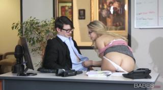 Hot Secretary Sucks Boss Hard Cock