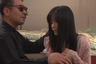 Rei amami ngentot dengan lelaki tua hidung belang
