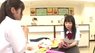 Osis di entot di toko makanan
